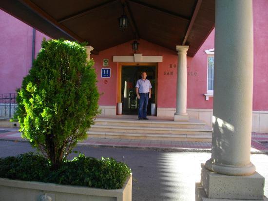 Hotel San Camilo: L'ingresso all'Hotel