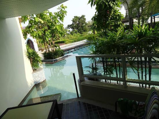 Anyavee Tubkaek Beach Resort: view from our living area