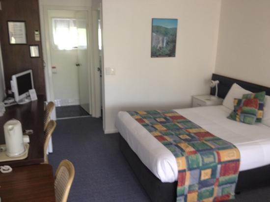 Poinciana Motel : bedroom
