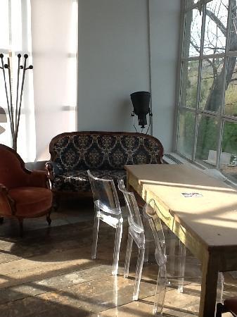 Tavolo con vetrata - Picture of Lanificio Cucina, Rome ...