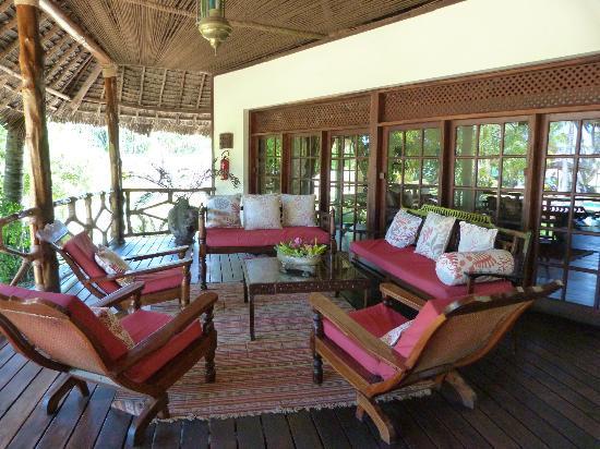 Anna of Zanzibar : salon extérieur de la maison principale