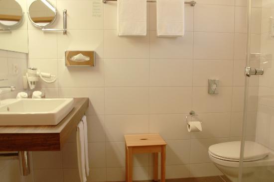 Chalet Gafri - BnB: alle  Zimmer mit Dusche/WC+Waschtisch