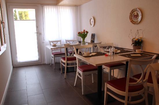 Chalet Gafri - Hotel and BnB: Frühstücksraum