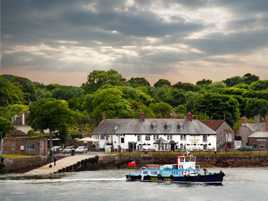 The Edgcumbe Arms & The Cremyll Ferry