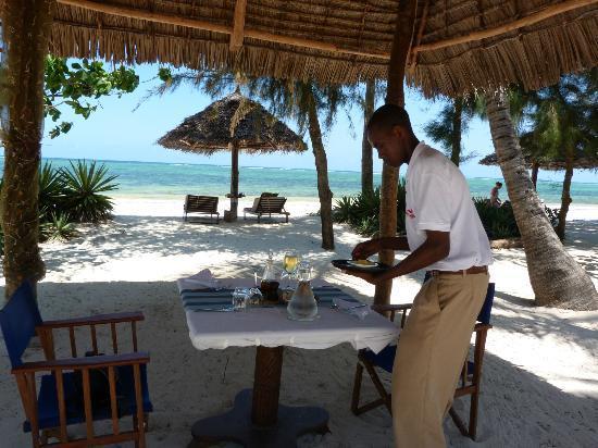 Anna of Zanzibar : déjeuner à la plage