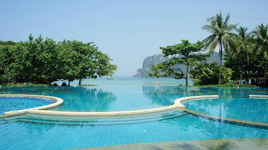 Rayavadee Resort: Infinity pool