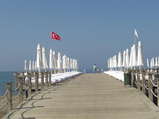 Voyage Belek Golf & Spa: Pier en ligbedden met badstof (dagelijks schoon)