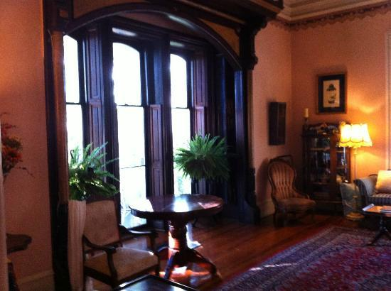 Claremont House Bed and Breakfast: Looking our 12 foot windows in Parlor