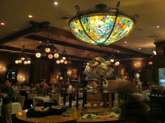 Ipanema Brazilian Steakhouse: Inviting atmosphere