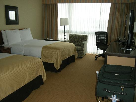 DoubleTree by Hilton Chicago - Arlington Heights: Room 321
