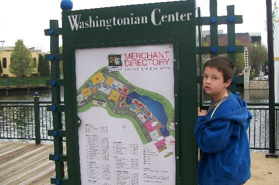 Courtyard by Marriott Gaithersburg Washingtonian Center: map of washingtonian center-lots of places to dine, shop