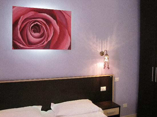 Flowerome: Rose Room