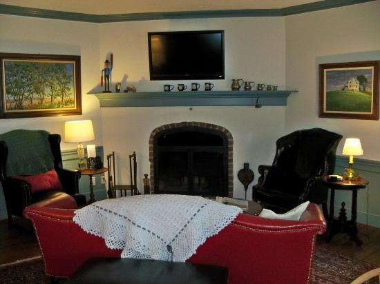 Historic Smithton Inn: Common area