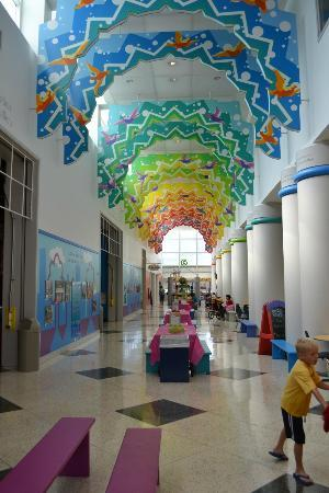Children's Museum of Houston: Clean and fun place to take the kids.