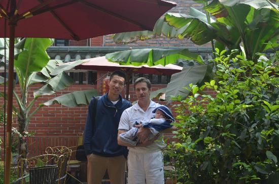 Remy's Garden Hotel : me,boss and his baby in the garden