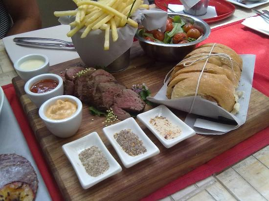 Flava Cafe & restaurant: Gourmet meals compliments of Flava Cafe