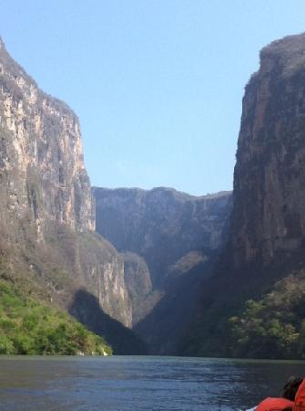 Entrada del Cañón del Sumidero sobre el río Grijalba