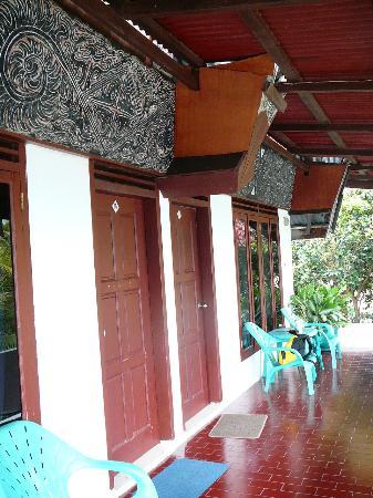 Toledo Inn: the entrance of the room