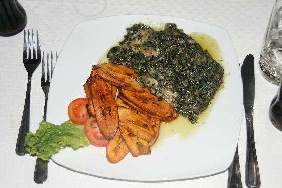 Hotel Seme Beach : local food: chicken with njama njama and plantains