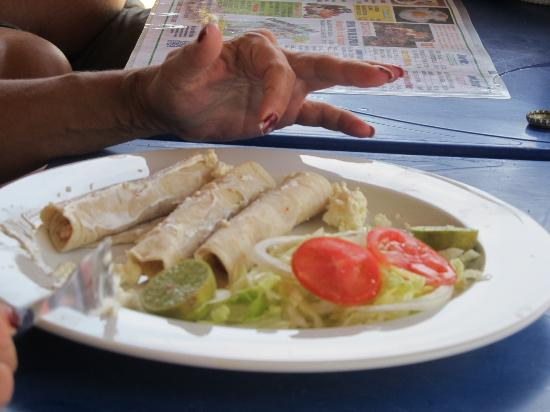 Bahia de Puerto Marques: Tacos