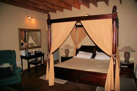 Blyde River Canyon Lodge: Four poster bed