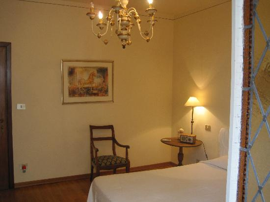 Soggiorno Rondinelli: View into room from balcony