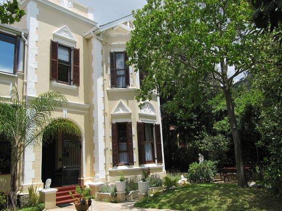 Carmichael Guesthouse