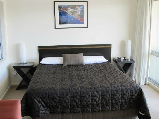 The Reef Resort: King size bed