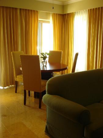 Dining & Living Room Diamond Suite