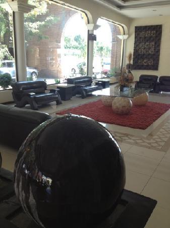 Hotel Aguascalientes : el lobby es lo único bonito