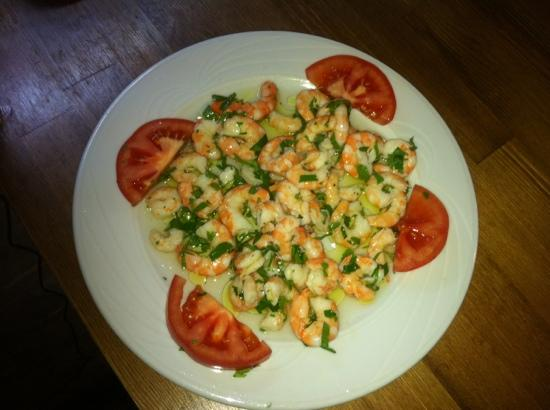 Beyaz Inci : karides salatası