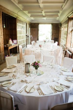 Grays Court: Gray's Court Wedding Table Arrangment