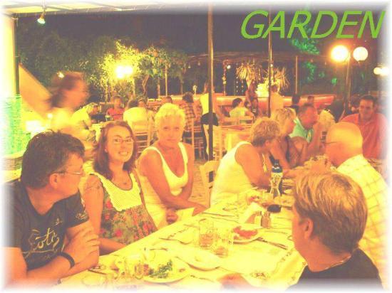 Garden Restaurant : garden