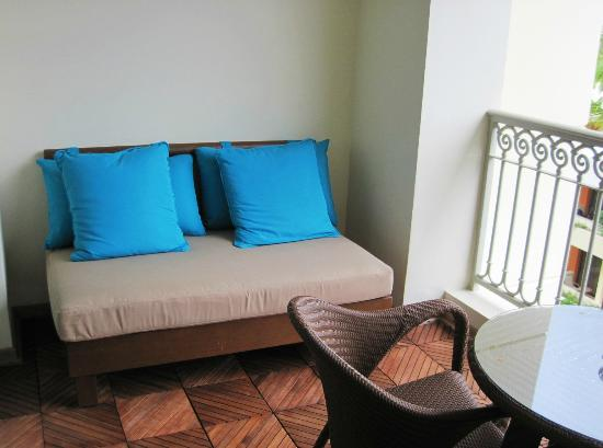 Iberostar Grand Bavaro: Lounge area on the balcony