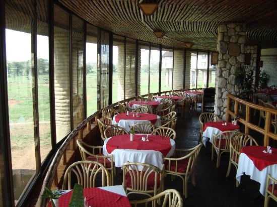 Sarova Salt Lick Game Lodge: restaurant