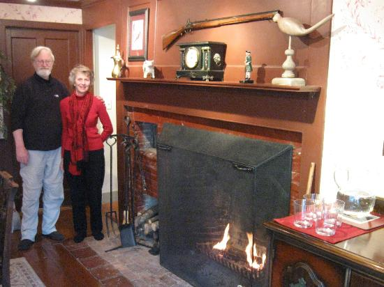 Applewood Manor Bed & Breakfast: Just in time for breakfast