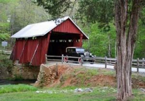 Campbell's Covered Bridge Photo