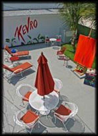 Kevro's Art Bar