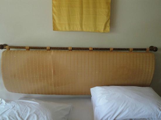 Chaba Cabana Beach Resort: tête de lit
