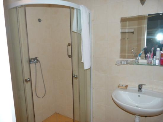 Centrooms House: baño