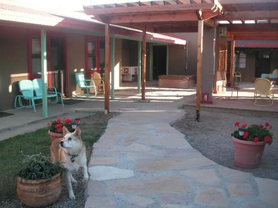 The patio at Blackstone Hotsprings