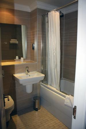 Frederick House Hotel: Bathroom