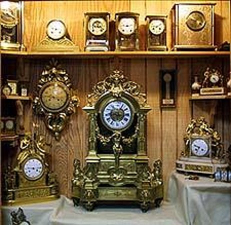 Conger Street Clock Museum