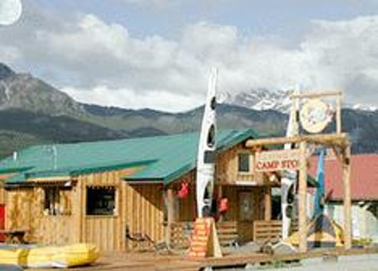Flying Pig Adventure Company: Our Raft Co. Headquarters right on the river.