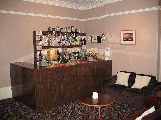 Beaufort House Guesthouse: bar