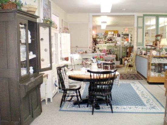 Blue Hills Antiques Mall Photo