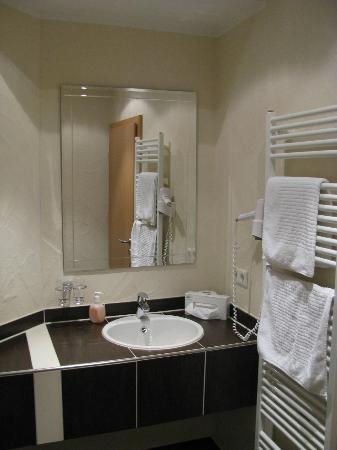 Adler: Modernes Bad (jedoch nur mit Deckbeleutung)