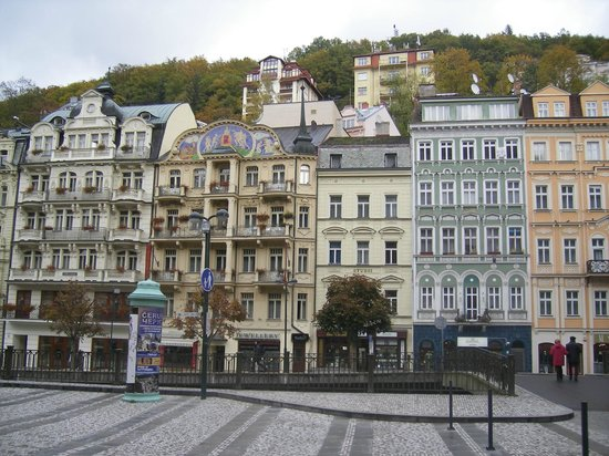 Karlovy Vary, Czech Republic: A view to the main street