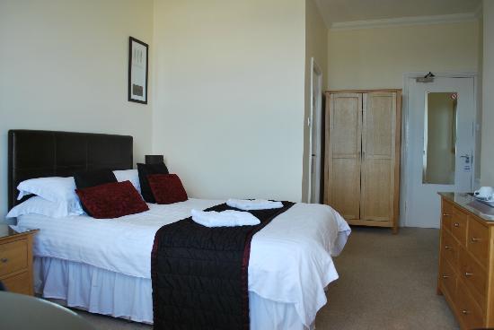 Ellan Vannin Metro Hotel: Bedroom12