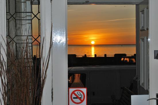 Ellan Vannin Metro Hotel: View from front door